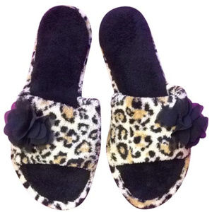 Shoes - New Leopard Slipper Size 9-10